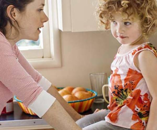 تاثیر حرف زدن والدین با کودک