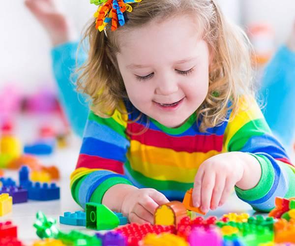 انتخاب اسباب بازی استاندارد برای کودکان